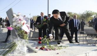 Ալեն Սիմոնյանը Եռաբլուրում հարգանքի տուրք է մատուցել հայրենիքի պաշտպանության համար զոհված հերոսների հիշատակին